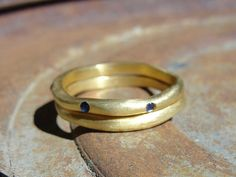 18k Yellow Gold and Blue sapphire Wedding Set by AurumJewelry