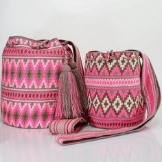 "450 Likes, 5 Comments - Just Wayuu (@just.wayuu) on Instagram: ""Handcrafted handbags made by indigenous wayuu in the north of Colombia. Worldwide shipping – envíos…"""