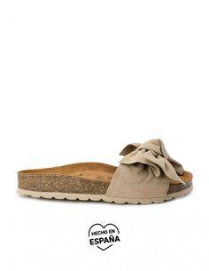 Color Beige, Grande, Slip On, Sandals, Shoes, Fashion, Templates, Cute Sandals, Flat Sandals