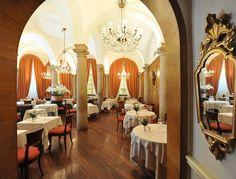 I ristoranti che hanno fatto la storia di Milano attraverso i piatti della tradizione. Meneghina e toscana, per esempio. Gli altri indicaceli tu su MiSiedo!