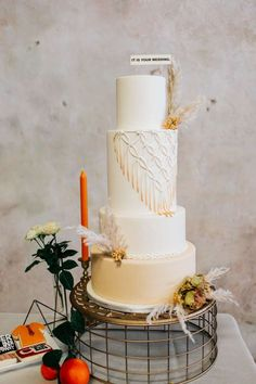 This Office-Themed Wedding Cake by Let There Be Cake Deserves ALL of Michael Scott's Dundies - Rae Leigh Photography The Office Wedding, Themed Wedding Cakes, That's What She Said, Michael Scott, Photography, Photograph, Fotografie, Photoshoot, Fotografia