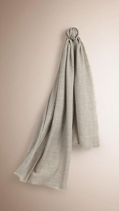 Pale grey The Lightweight Cashmere Scarf Pale grey -  1