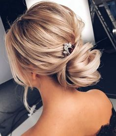 Tonyastylist Wedding Updo Hairstyles / http://www.deerpearlflowers.com/updo-hairstyles-for-special-occasion/3/
