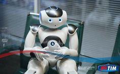 Un importante traguardo è stato raggiunto nella robotica! Al Polytechnic Institute di New York un robot ha superato, per la prima volta, un test di autocoscienza http://tim.social/robot_autocosciente