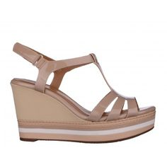 Sandale CLARKS nude, din lac Clarks, Summer Essentials, Wedges, Shoes, Fashion, Sandals, Shoes Outlet, Fashion Styles, Shoe