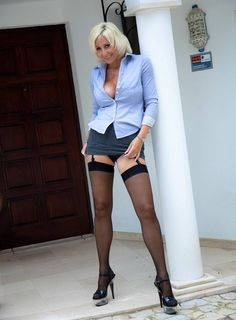 Sexy sexy mature in tight short skirt, stockings, suspenders and heels! Stockings And Suspenders, Black Stockings, Nylon Stockings, Nylons, Jan Burton, Short Skirts, Mini Skirts, Thing 1, Shorts With Tights