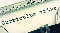 Escolha o modelo de currículo que melhor se adapta ao seu contexto profissional, faça o download e preencha com suas informações