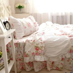 FADFAY Home Textile,Modern American Country Style Floral Bedding Set,Romantic Pink Rose Garden Princess Bedding Sets,Elegant Korean Ruffle And Lace Fairy Bed Covers, http://www.amazon.ca/dp/B00RECNVU8/ref=cm_sw_r_pi_awdl_x_ci9fybP1XAEKV