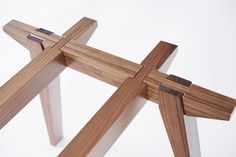 Ban table by Ania Wolowska | The table draws its inspiration from the work of Japanese architect Shigeru Ban and from traditional Asian joinery. The structure is designed on the basis of ancient joinery techniques, which make it possible to put it together and take it apart without the use of screws, nails, dowels or glue.