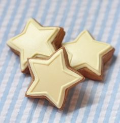 star cookies with royal icing