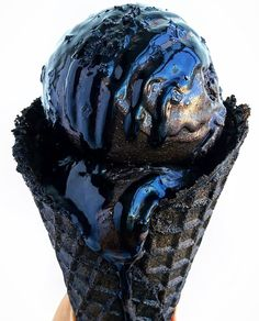 Black ice cream (Darkest Cocoa), black waffle cone, black caramel, and black sea salt. Here is tall,dark & handsome. Tag your ❤️ friends. Waffle Cone Recipe, Waffle Cones, Yummy Ice Cream, Love Ice Cream, Ice Cream Desserts, Ice Cream Recipes, Gelato, Black Ice Cream, Charcoal Ice Cream