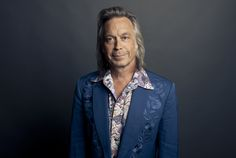 Ep275 - Jim Lauderdale - Jim Lauderdale plays tracks from his Soul Searching album, talks about the two studios used for the album how he got his Music City Roots gig.   Also on this episode, I've got the debut soul album from Nigel Hall, a Dan Penn Spooner Oldham tribute album, a rare Roy Orbison track, plus old-school country from Lori Yates and southern rock from the Drive-by Truckers.