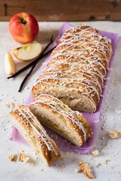 Omenoilla ja vaniljakreemillä täytetty pullapitko on helppo leipoa, ja lopputulos on upea.