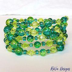 RaVa Designs: Sparkly Green Memory Wire Bracelet ~ Handmade Jewelry Ideas Memory Wire Bracelets, Handmade Bracelets, Handmade Jewelry, Beaded Bracelets, Polymer Clay Magnet, Clay Magnets, Diy Bracelet Storage, Happy Birthday Chalkboard, Jewelry Rack