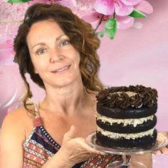 Aquafaba Italian Meringue Buttercream Recipe - Gretchen's Vegan Bakery Vegan Vanilla Cake, Vegan Cake, Vegan Desserts, Diet Cake, Opera Cake, Vegan Buttercream, Pumpkin Mousse, Ganache Recipe, Hummingbird Cake
