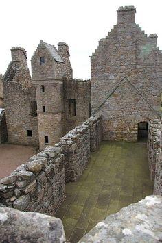 Scotland - Tolquhon Castle, Aberdeenshire by dvebramhall via flickr