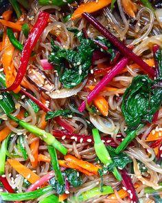 Korean Food, Japchae, Chili, Ethnic Recipes, Korean Cuisine, Chile, Chilis