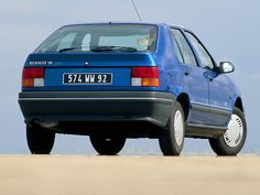 Renault 19 (1988 – 1992).