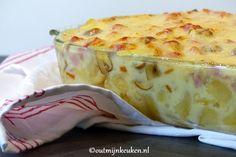 Pasta met kaas, heel veel kaas was het verzoek: dat werd deze pastaschotel in romige kaassaus met ham en champignons