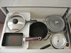 【100均】ダイソーのフタを使って収納力UP!2段式キッチン収納術♪