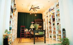 An old space for new-book lovers  Many people in Saigon like to find a quiet place to read some book.Book Nest, a small bookstore with old and new books, is for thosereaders.  #vietnamtravelnews #vntravelnews #vietnamnews  #traveltovietnam #vietnamtravel #vietnamtour