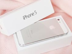 iPhone 5 in white. Please and thank you. Good phone. I had mine for almost a year.
