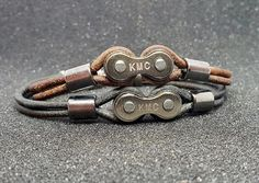 Leather bicycle chain link bracelet - Another! Unique Bracelets, Link Bracelets, Handmade Bracelets, Bracelets For Men, Cordon En Cuir, Leather Bicycle, Bike Chain, Bracelet Cuir, Bracelet Sizes