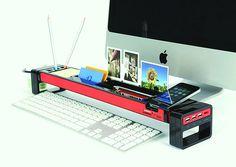 organizador delante ordenador