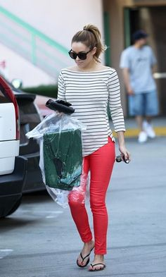 Lauren Conrad Photos - Lauren Conrad collects her dry cleaning in West Hollywood, wearing striking red pants and a striped top. - Lauren Conrad collects her dry cleaning in West Hollywood, wearing striking red pants and a striped top Summer Outfits, Casual Outfits, Cute Outfits, Casual Wear, Pink Skinny Jeans, Coral Jeans, Skinny Pants, Kourtney Kardashian, Fashion Moda