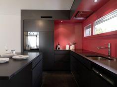 Cozinha luxo preta vermelha