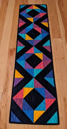Patchwork Table Runner, Table Runner And Placemats, Quilted Table Runners, Quilted Table Runner Patterns, Colorful Quilts, Small Quilts, Mini Quilts, Quilting Projects, Quilting Designs