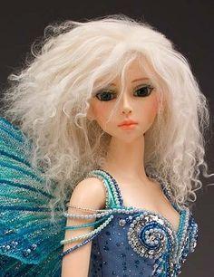 so pretty. it's a doll wig tutorial
