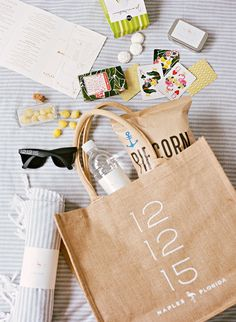 Before you pack up your wedding welcome bags, read what one planner suggests you gift each guest. Wedding Welcome Gifts, Destination Wedding Welcome Bag, Wedding Gift Bags, Wedding Gifts For Guests, Beach Wedding Favors, Nautical Wedding, Bridal Shower Favors, Wedding Souvenir, Jamaica Wedding