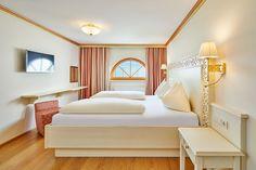Schlafzimmer Suite Kaiser Franz Josef Kaiser Franz Josef, Rooms, Bedroom, Furniture, Home Decor, Double Room, Homes, House, Bedrooms