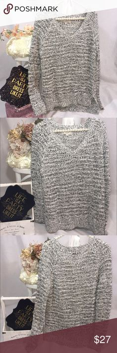 Ann Taylor Loft knitted gray chunky sweater Great condition, only used once. Nice v neck style. Super cute style! Large knitting detail. Size M. 39% nylon, 32% cotton, 28% acrylic, 1% other. LOFT Sweaters V-Necks