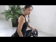 (27) Yoga sessions con Xuan Lan: Estiramiento de piernas y glúteos - YouTube