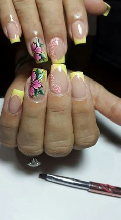 Gorgeous Nail Designs For Special Events Flower Nail Designs, Simple Nail Art Designs, Flower Nail Art, Acrylic Nail Designs, Acrylic Nails, Wow Nails, Glam Nails, Beauty Nails, Uñas One Stroke