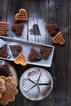 Meine besten und einfachsten Waffeln mit Dinkel gibt es zum Blogevent von Marc neu auf meinem Blog. Waffeln sind das perfekte Frühstück.