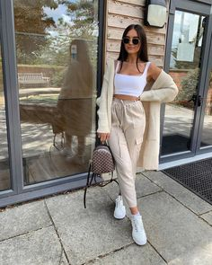 Wearing all beige is really trend this season. That's why I want to show you some beige outfit ideas, so you can get inspired from them. Crop Top Outfits, Mode Outfits, Fashion Outfits, Womens Fashion, Fashion Belts, Fashion Trends, Cute Comfy Outfits, Cute Summer Outfits, Stylish Outfits