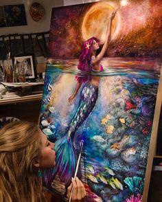 """Яркая и насыщенная работа """"Лунная сирена""""  художника Lindsay Rapp  @lindsayrapp  #artsourse #lindsayrappgallery #oilpainting #fantasy #сказка #русалка"""