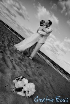 ©Creative Focus Photography, Wedding at the beach  http://www.creativefocusinc.com/wedding.php