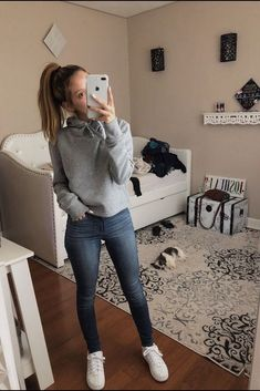 casual outfits for school & casual outfits ; casual outfits for winter ; casual outfits for work ; casual outfits for women ; casual outfits for school ; casual outfits for winter comfy Spring Outfits For School, Fall Outfits For Teen Girls, Simple Fall Outfits, Fall Outfits For School, Cute Comfy Outfits, Lazy Outfits, Tumblr Outfits, Teen Fashion Outfits, Teenager Outfits