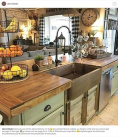 35 Rustic Farmhouse Kitchen Design Ideas December Leave a Comment There's just something so inviting about the soul-calming appeal of a farmhouse style kitchen! Farmhouse kitchen design tugs at the heart as it lures the senses with e Farmhouse Sink Kitchen, Kitchen Design Decor, Kitchen Remodel, Kitchen Decor, New Kitchen, Kitchen Dining Room, Kitchen Redo, Home Kitchens, Rustic Kitchen