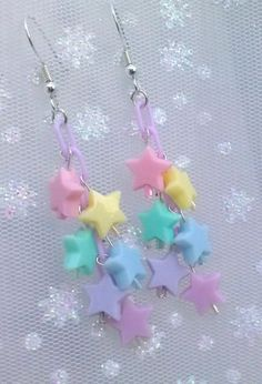 Fairy Kei Star Dangle Earrings by KillerBunnyCouture on Etsy -I like the method of hanging everything off the chain. Kawaii Accessories, Kawaii Jewelry, Cute Jewelry, Jewelry Accessories, Funky Jewelry, Funky Earrings, Diy Earrings, Pastel Fashion, Kawaii Fashion