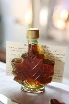 Maple syrup as a wedding favor! This would be so awesome if you could do this. Just like Vermont!