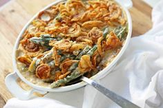 Homemade made from scratch Green Bean Casserole will be a hit at your Thanksgiving dinner. The classic Green Bean Casserole got a makeover and is a way better version! Homemade Green Bean Casserole, Classic Green Bean Casserole, Healthy Casserole Recipes, Casserole Dishes, Lentil Recipes, Veggie Recipes, Thanksgiving Side Dishes, Thanksgiving Recipes, Creamy Green Beans