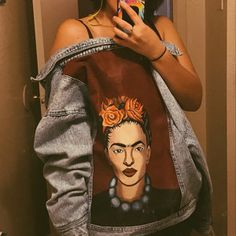 I can portray this is pop-art on jacket which fit you. I have large selection of jackets. Vintage Jacket, Vintage Jeans, Jaket Jeans, Painted Denim Jacket, Rihanna, Denim Crafts, Painted Clothes, Fashion Painting, Diy Shirt