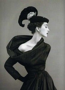 Love the neckline - and the hat!