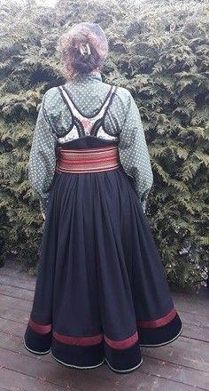 (17) Ny komplett beltestakk.   FINN.no Costumes Around The World, Folk Costume, Water Lilies, Traditional Outfits, Norway, Scandinavian, Ethnic, Goth, Dolls