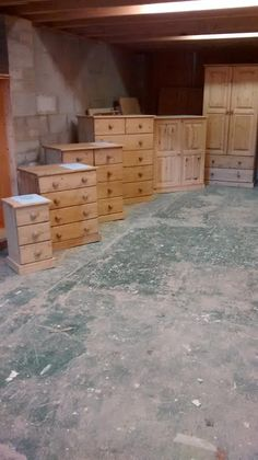 Pine chest of drawers: http://www.pinefurniturecornwall.co.uk/